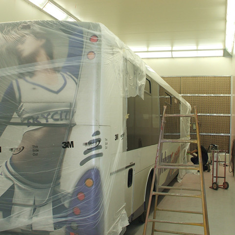 Large truck and coach heated spray and bake booths. Design and build. Turnkey to AS/NZ 4114.